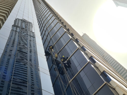 Glass replacement rope access